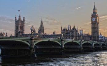 Co się będzie działo z funtem po Brexicie?