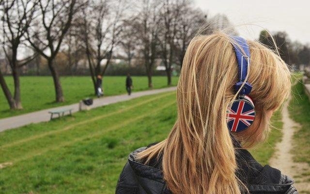 Jak uczyć się rozumienia języków obcych ze słuchu?