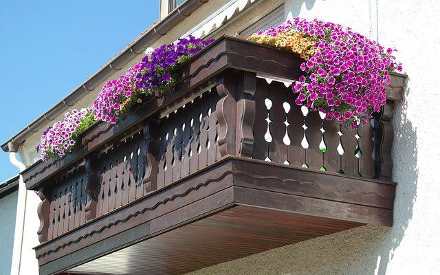 Nowoczesne balustrady balkonowe – cennik
