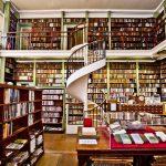 Czy warto kupować książki w antykwariacie? I dlaczego?