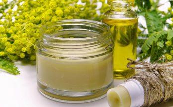 Dlaczego warto stosować żel aloesowy. Jak najlepiej wykorzystać go do pielęgnacji włosów i twarzy?