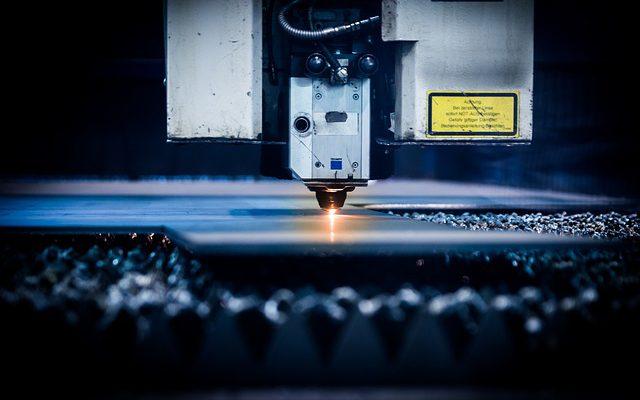 Zalety i wady cięcie laserem stali