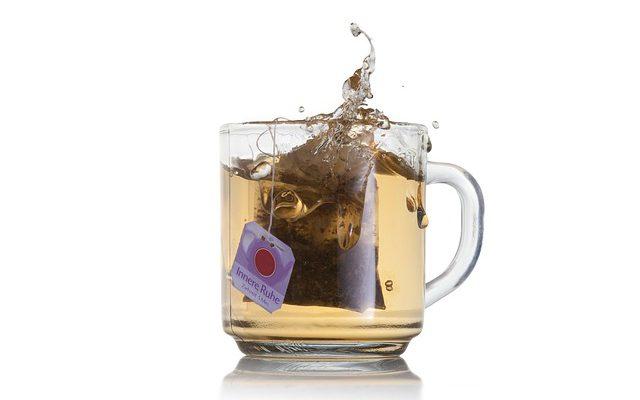 Jak powinno się parzyć herbatę czarną, czerwoną i zieloną?