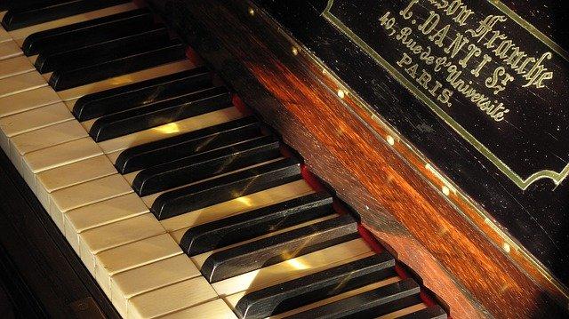 Nauka gry na pianinie w Łodzi – cennik